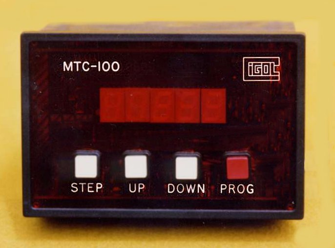 Picture of MTC-100 four chanel temperature controller